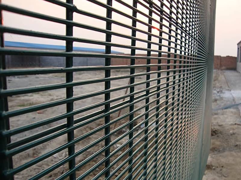 358 Mesh Fence has High-Security and Anti-Corrosion Features